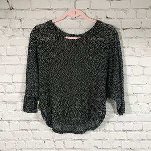 UO \\ cropped dolman top